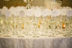 Round champagne escort cards